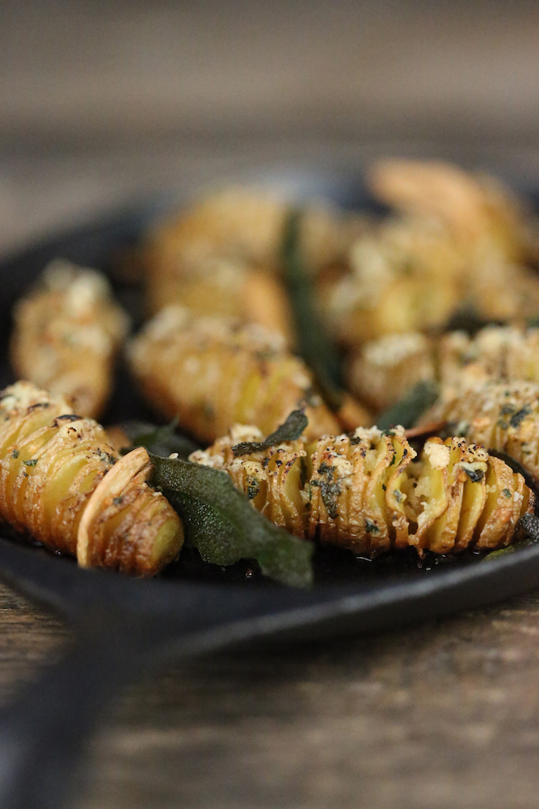 Hasselback fingerling potatoes with salvia and garlic - photo philip blankenship