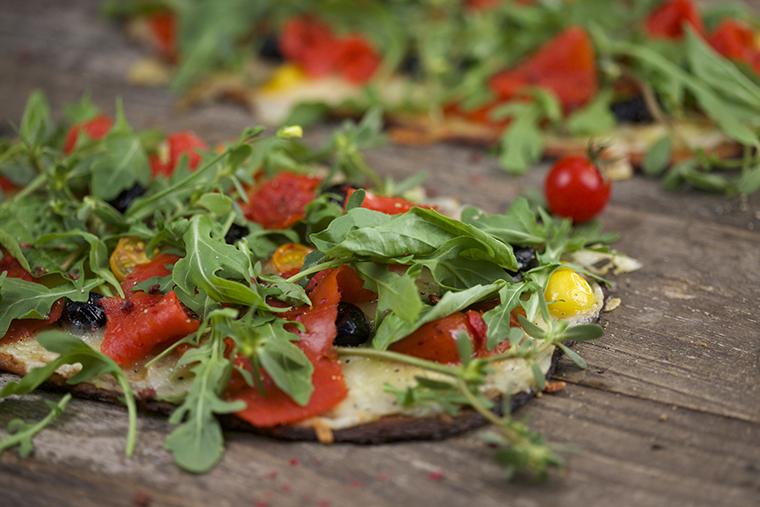 Gluten free cauliflower pizza with smoked salmon - photo philip blankenship
